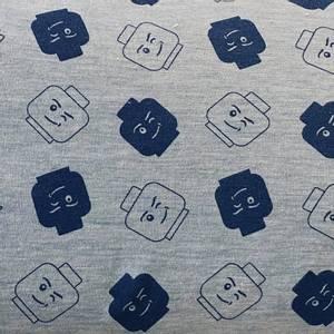 Bilde av Strikket Ull, tynn - gråmelert med mørk blå lego hoder