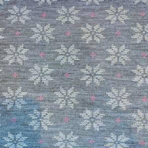 Bilde av Strikket Ull, tynn dobbelstrikket - gråmelert med hvit og rosa