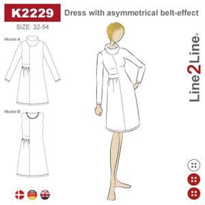 Bilde av Line2Line K2229 Kjole med asymmetrisk belte-effekt
