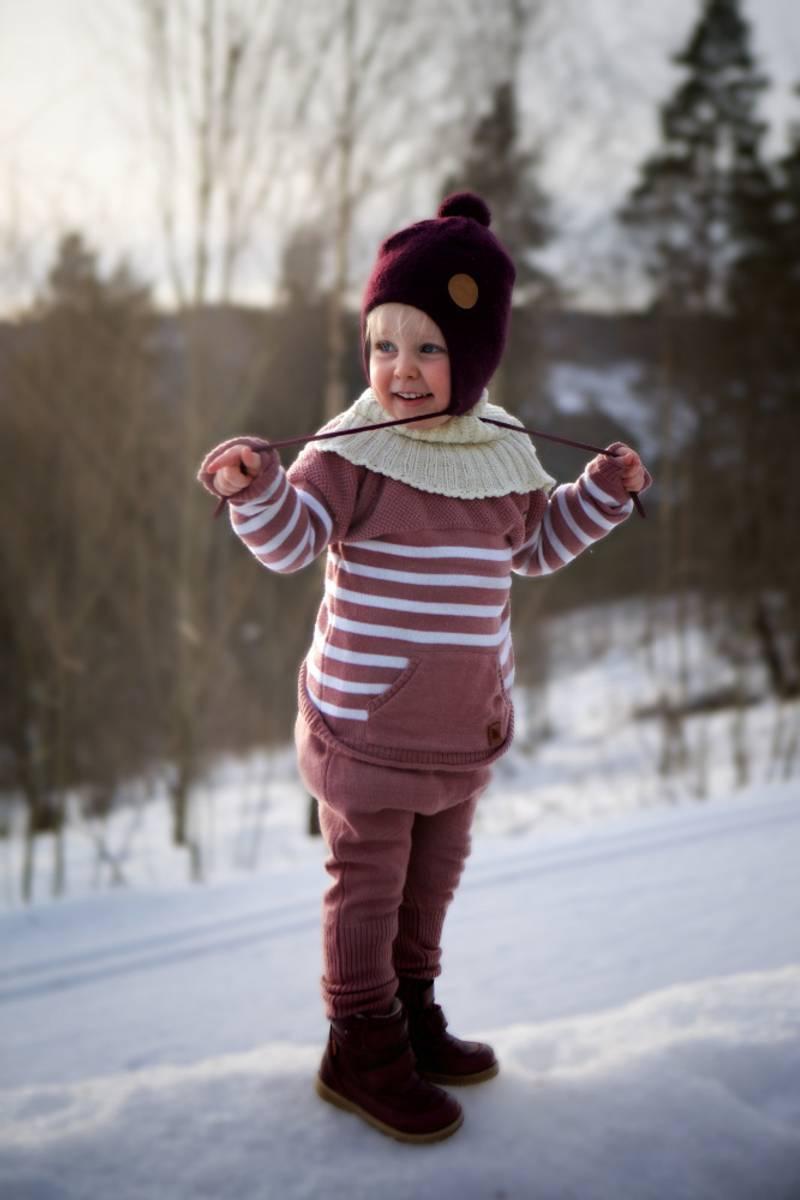 Gammelrosa ullsett med genser Letelle og baggybukse Chias