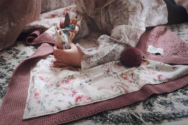 Bilde av Pledd Bond i merinoull med bomullsfôr, gammelrosa, unicorns