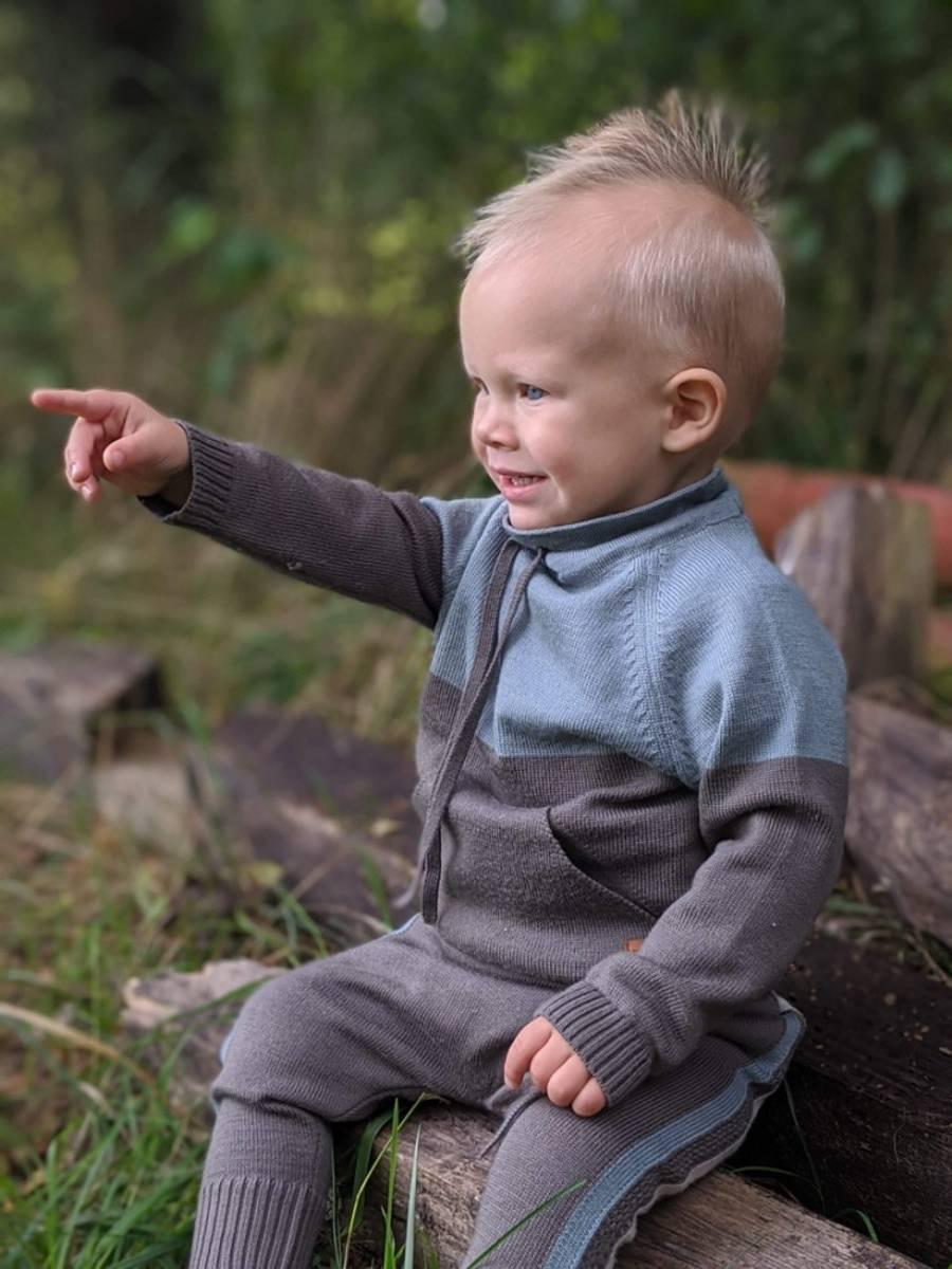 Brun ullsett med genser Lonk og bukse Churra