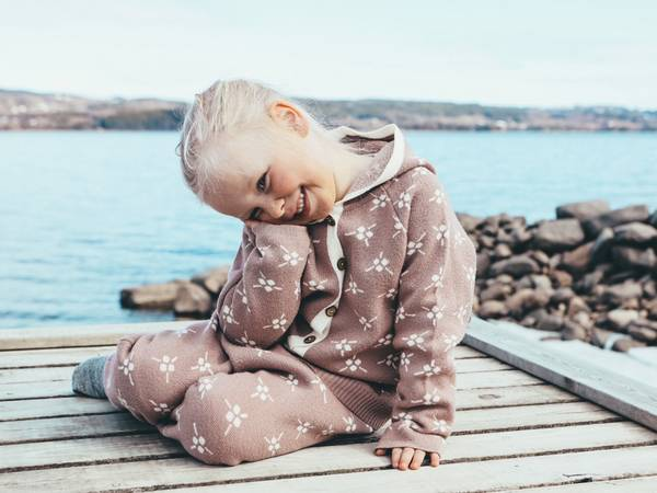 Bilde av Støvrosa ullsett med jakke Icelandic og bukse Mule