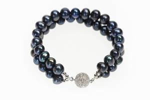 Bilde av Perlearmbånd med krystallås, sort