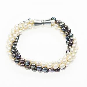 Bilde av Perlearmbånd med magnetlås, sort/hvit
