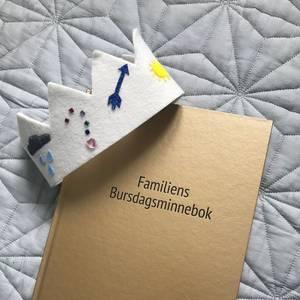 Bilde av Bok - Familiens Bursdagsminnebok