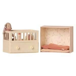 Bilde av Bamse - Maileg Baby Room With Micro Bunny