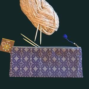 Bilde av Lang mappe Starflower Blå - Sminkepung