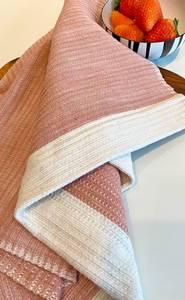 Bilde av Waffle Weave - Rosa håndkle 50x80 cm