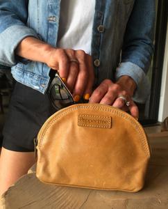 Bilde av Glam Bag Small - Skinnpung Amber lys
