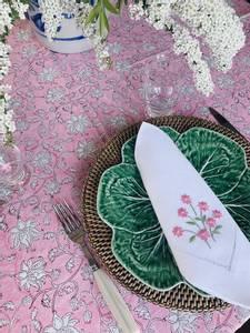 Bilde av Bordduk - rosa blokkprint (350 cm)