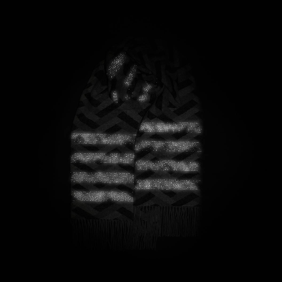 Morild Faun skjerf med refleks, sort staver