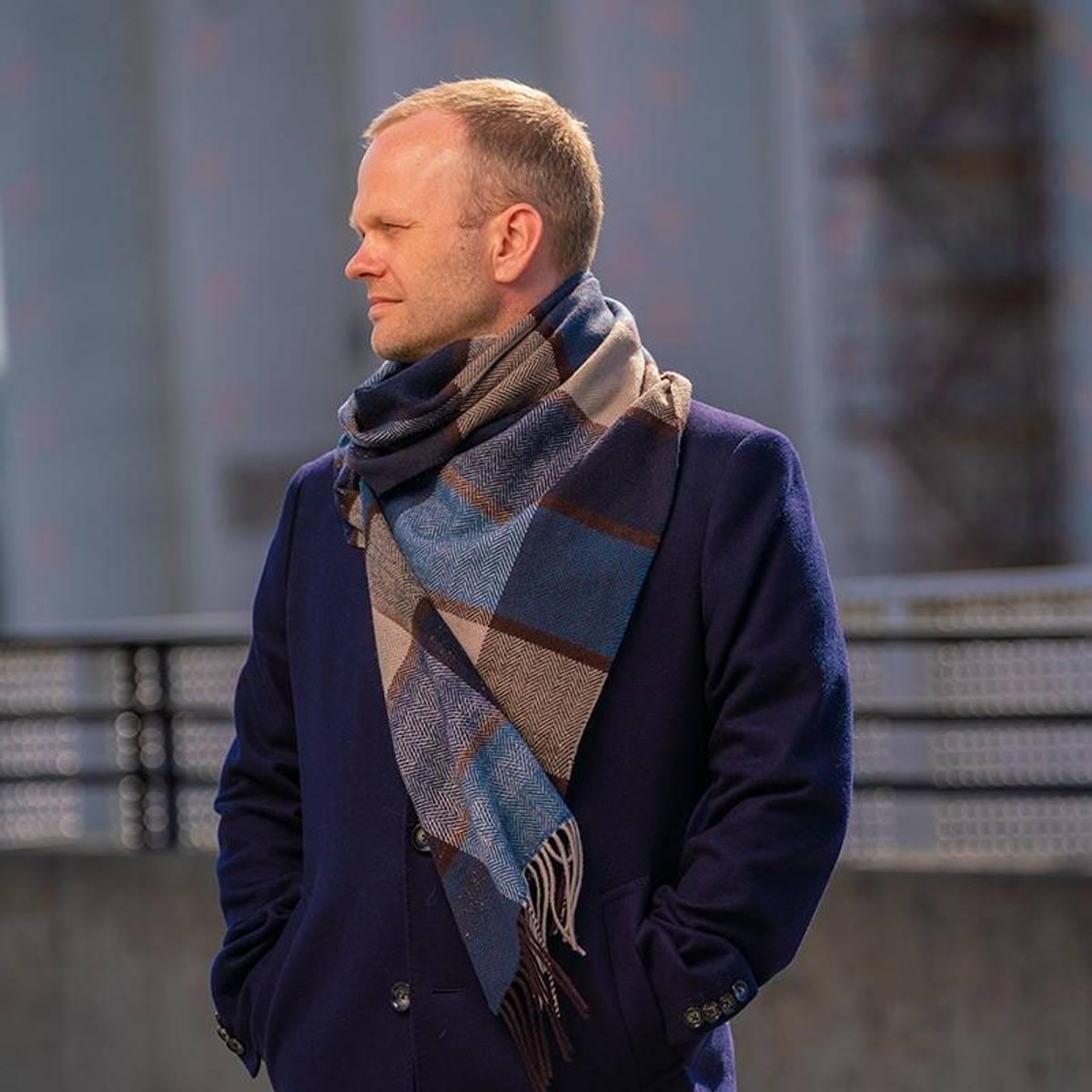 Morild Fenris skjerf med refleks, brun multifarge Strå