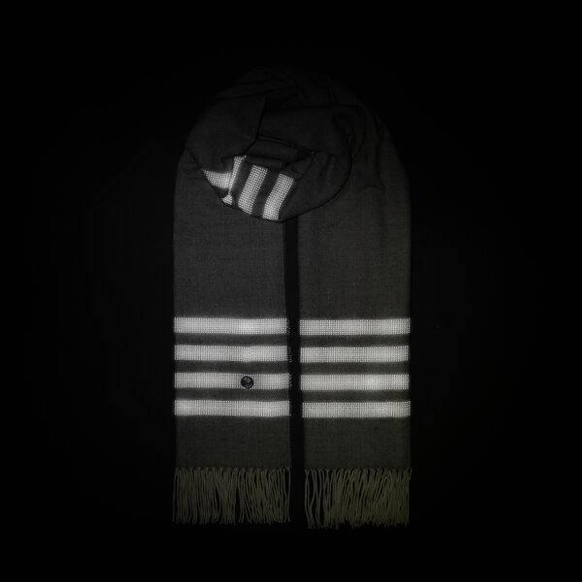 Morild Vilje skjerf med refleks, lys grå Trygg