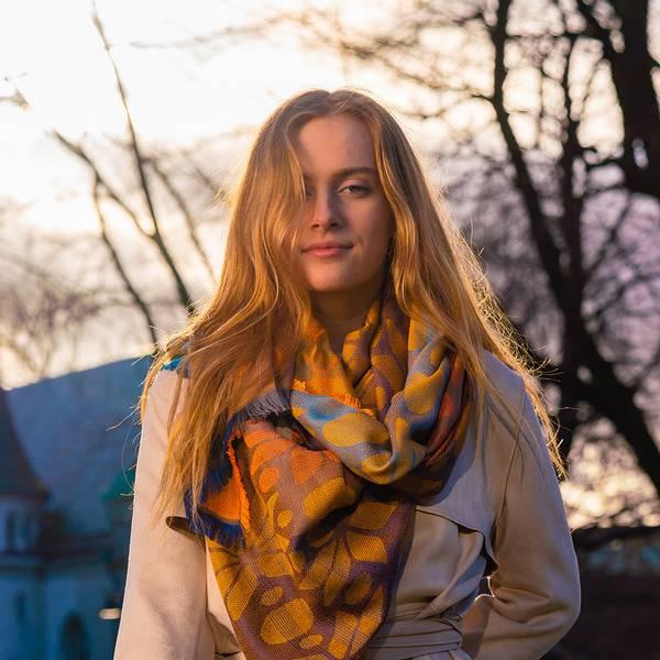 Bilde av Morild Tindra Magi skjerf med refleks, orange