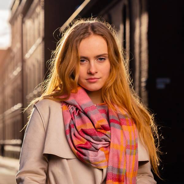 Bilde av Morild Tindra Linje skjerf med refleks, rosa