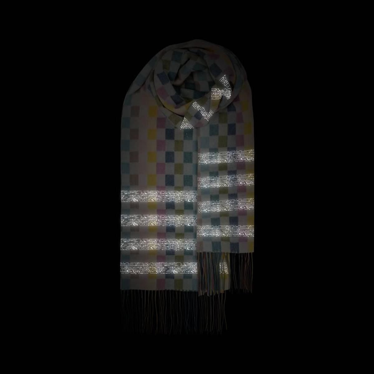 Morild Faun skjerf med refleks, hvit multifarget Sjakk