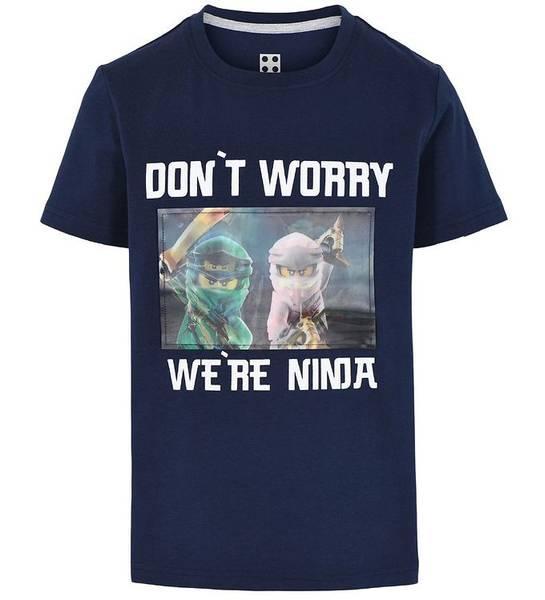 Bilde av Ninjago bildeskiftende t-skjorte - Dark Navy