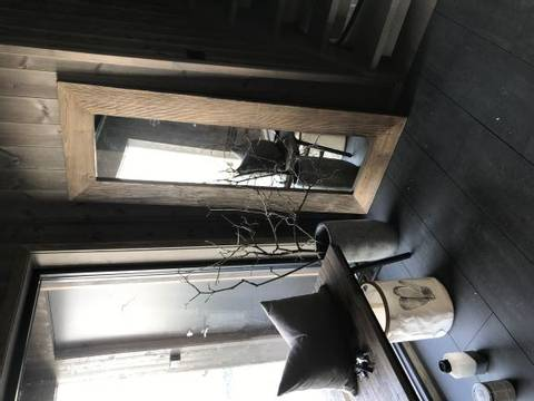 Bilde av Speil med ramme i edeltre