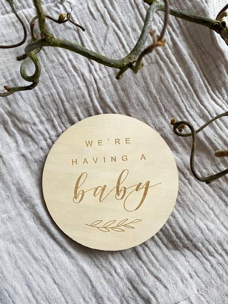 Bilde av Minneskilt i tre - We´re having a baby