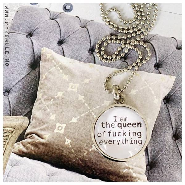 WORDS, «I am the queen of fucking everything»