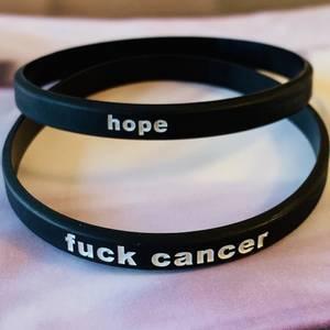 Bilde av TO SORTE RAPP, fuck cancer