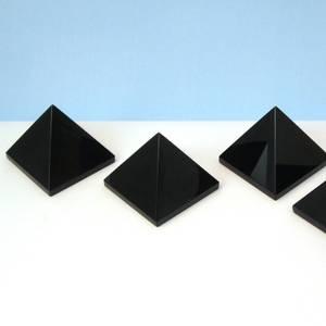 Bilde av Obsidian Sort Pyramide 30x30