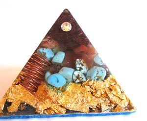 Bilde av Orgone pyramide med granat,
