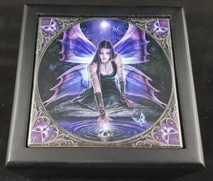 Bilde av Eske - Anne Stokes box