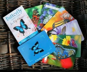 Bilde av Butterfly Oracle Cards for