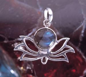 Bilde av Lotus i sølv med labradoritt