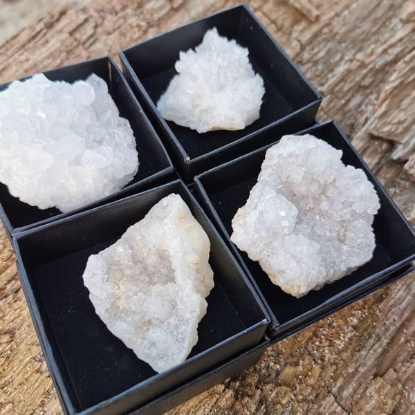 Kvarts geode i gaveeske / Quartz Geode from Marocco gift box