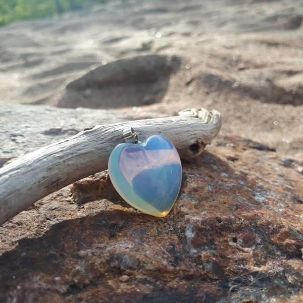 Opalitt/Opalite hjerte anheng 2cm