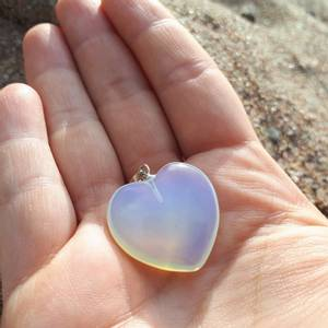 Bilde av Opalitt/Opalite hjerte anheng 2cm