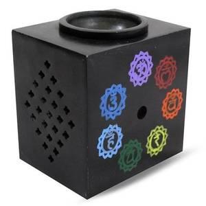 Bilde av Chakra colors on black soapstone aromaburner