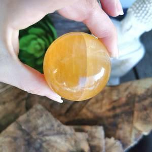 Bilde av Kalsitt Honning Kule 5 cm