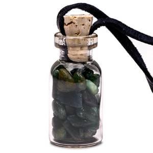 Bilde av Glass gift bottle on wax cord with aventurine