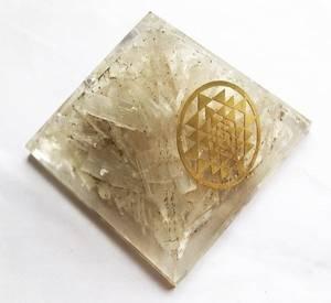 Bilde av Orgonitt pyramide Selenitt Sri Yantra - 65-70mm