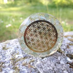 Bilde av Jade Quartz Orgonite Disc with infinity metal