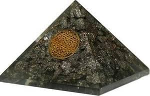 Bilde av Large Orgonite Pyramid XXL - Pyrite, Flower Of