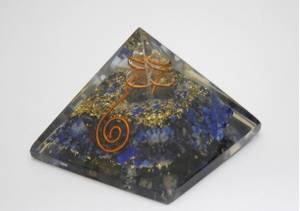 Bilde av Lapis Lazuli Orgonite Power Pyramide