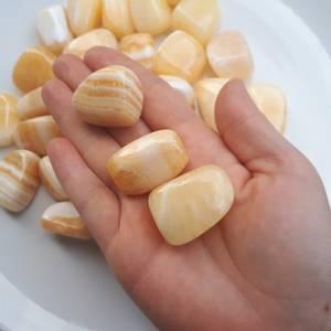 Bilde av Kalsitt gul  - Tromlede steiner XL