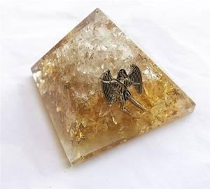 Bilde av Orgone Pyramid Crystal-Citrine Uriel 65-70mm