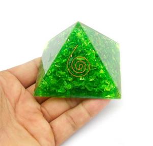 Bilde av Heart Chakra Orgonite Pyramid filled with Halo