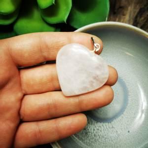 Bilde av Rosenkvarts anheng hjerte 3cm