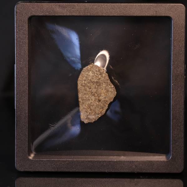 Bilde av Steinmeteoritt (NWA-kondritt), skive, 9 gram
