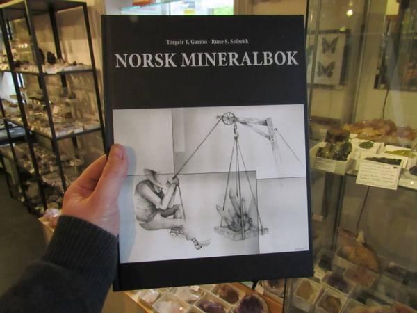 Bilde av Garmo, T. T. og Selbekk, R. S.: Norsk mineralbok