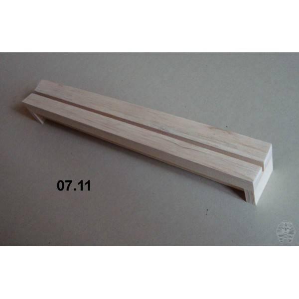 Bilde av Spennbrett i balsa, 4 x 30 cm, 4 mm bred grop