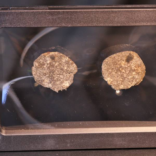 Bilde av Steinmeteoritt (NWA-kondritt), delt, 22,51 gram