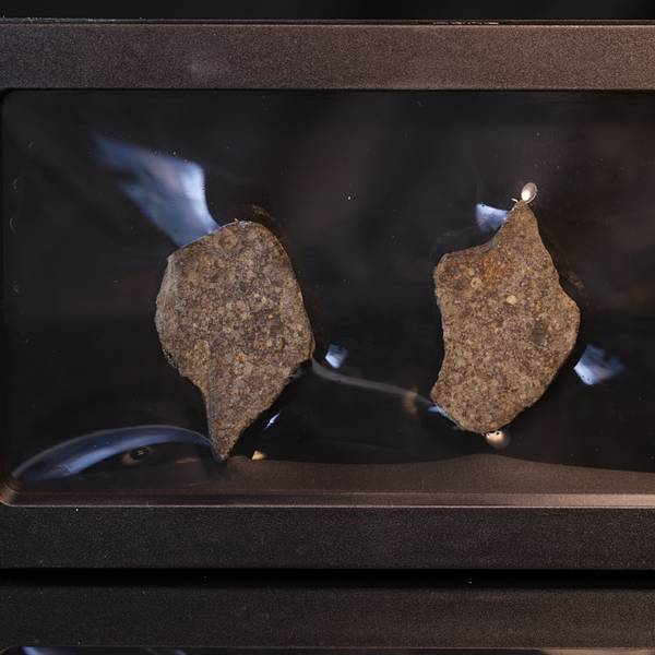 Bilde av Steinmeteoritt (NWA-kondritt), delt, 29,60 gram